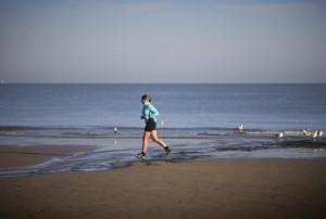Walken und Joggen mindert Migränetage deutlich
